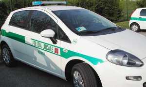 polizia locare novara auto fianco